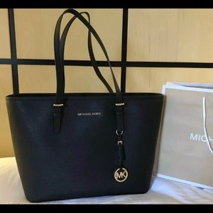$278 Michael Kors Jet Set Handbag MK Purse Bag